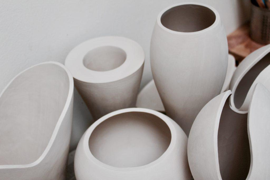 Frisch gegossene Keramiken