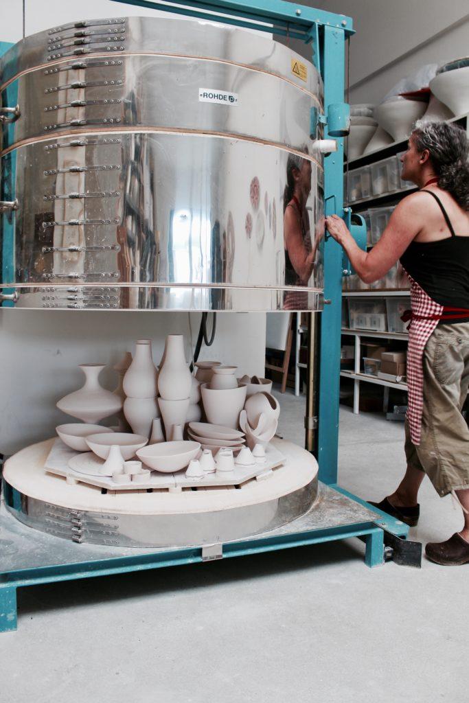 Keramik-Brandofen in der Werkstatt Ruff Ceramik