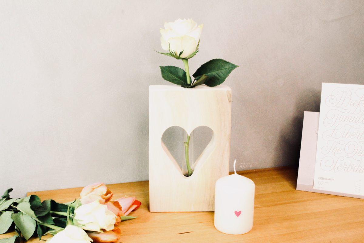Valentinstag Geschenke: Herzvase